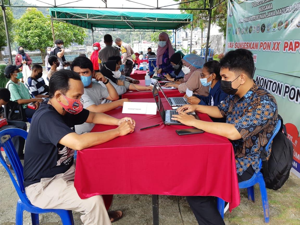 Suasana pelaksanaan vaksin HKJM bersama Presisi Polresta Jayapura