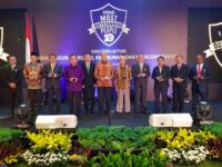 Maximus Tipagau Raih Penghargaan Top 10 Orang Terkemuka di Indonesia